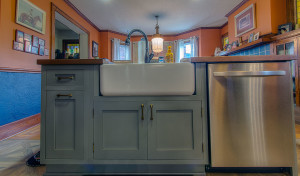 Kitchen-Remodel-Island-Farm-Sink